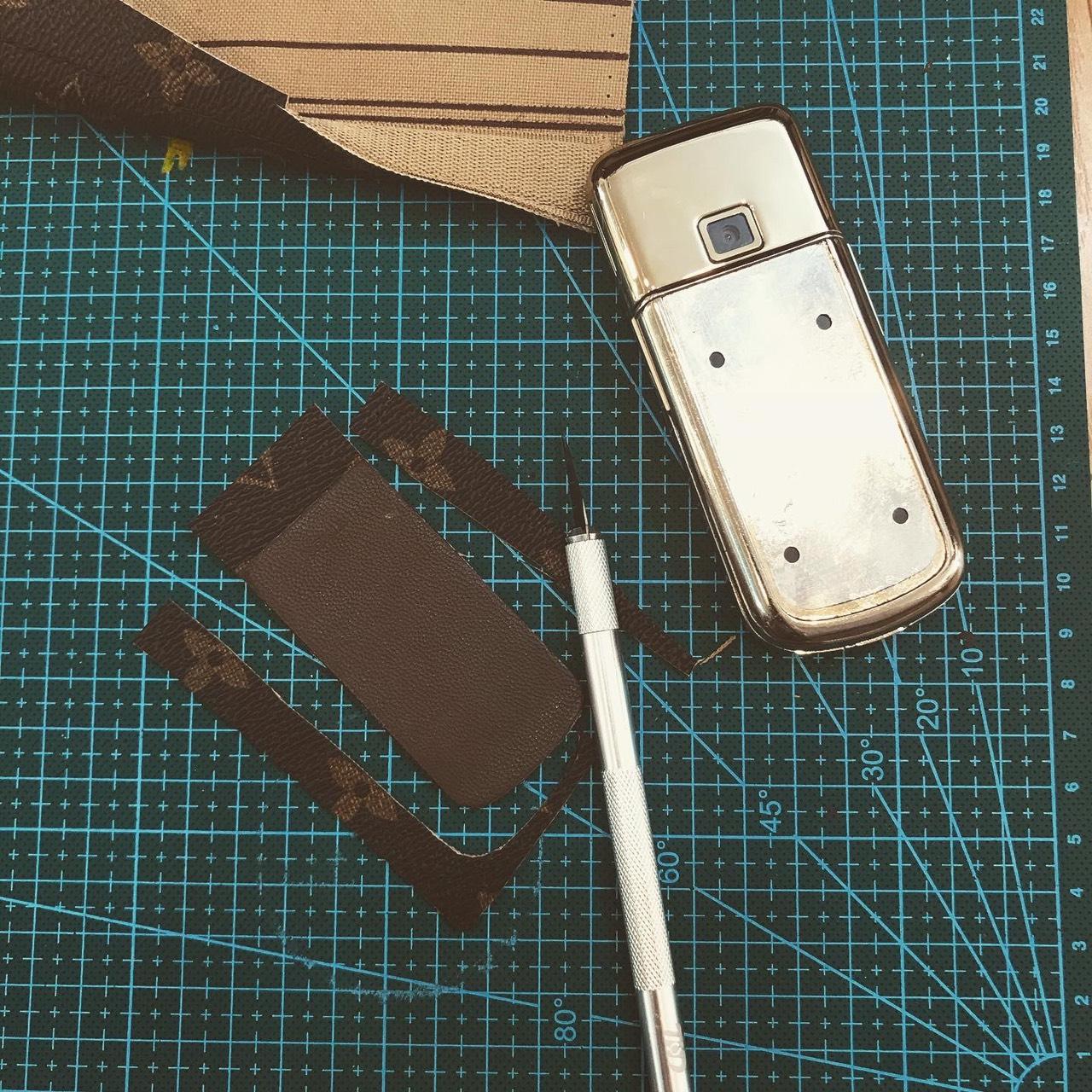 Dán da LV cho Nokia 8800 Gold Arte 6