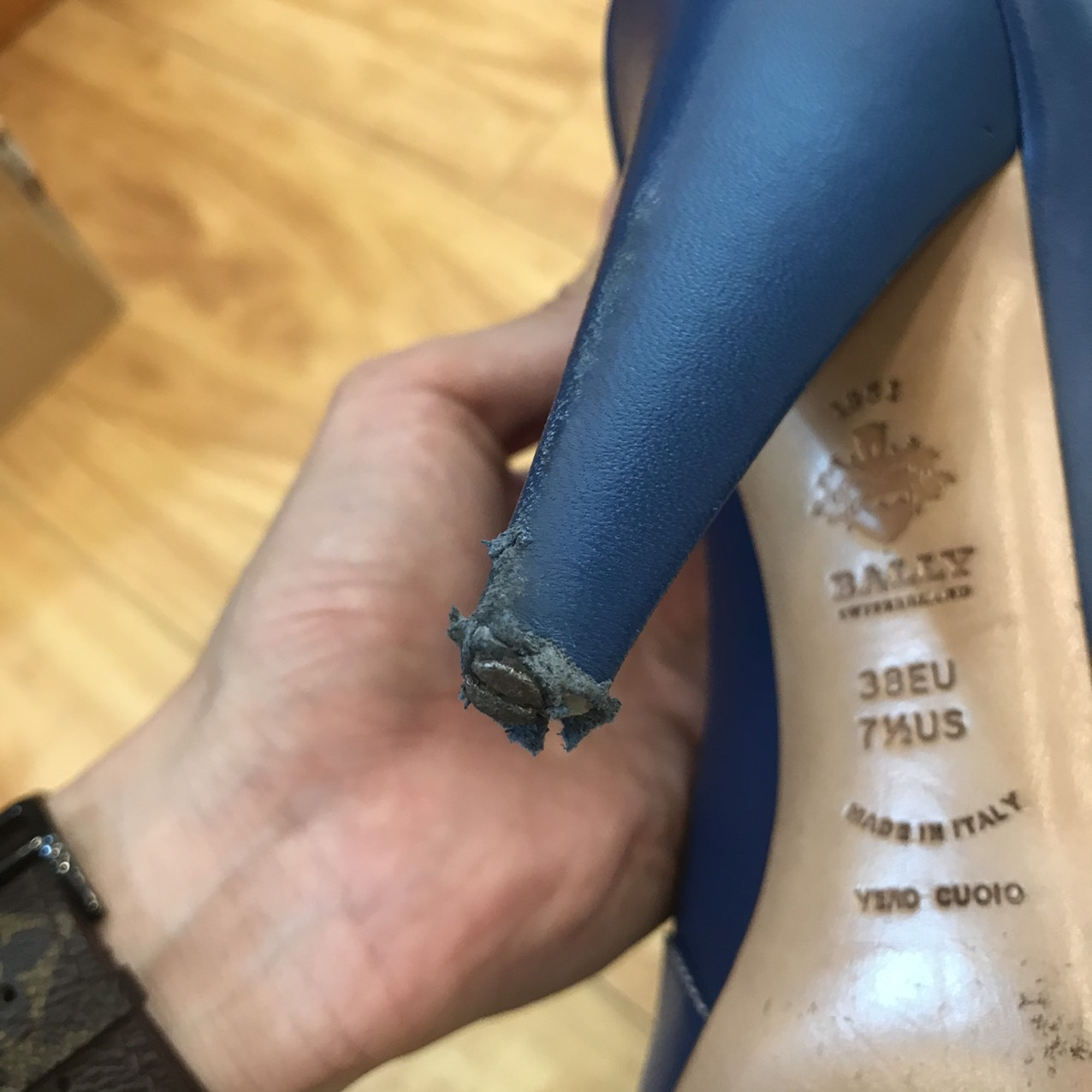 Sửa Chữa Giày Dép Gucci, Chanel, Louis Vuitton, Hermes ... 21